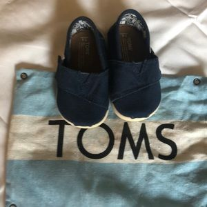 Tons navy blue shoes